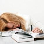Izčrpanost lahko premagamo z enostavnimi vajami či gong